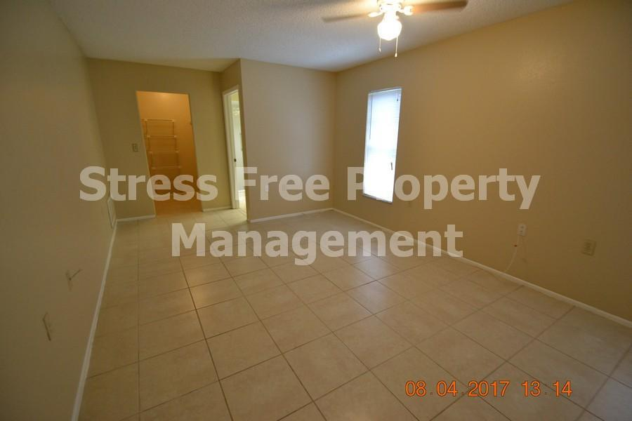 1329 Kenlake Ave Spring Hill Stress Free Property